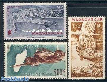 Airmail definitives 3v